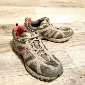 New Balance Womens Size 8.5  467 All Terrain Shoes